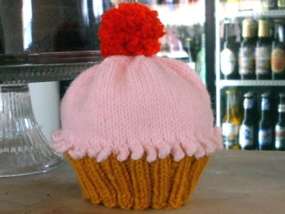 Knitted Cupcake Hat Pattern : free knitted cupcake hat pattern Quotes